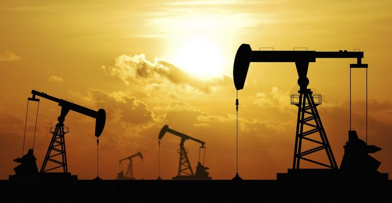 طراحی الگوی فروش ریالی نفت در بورس